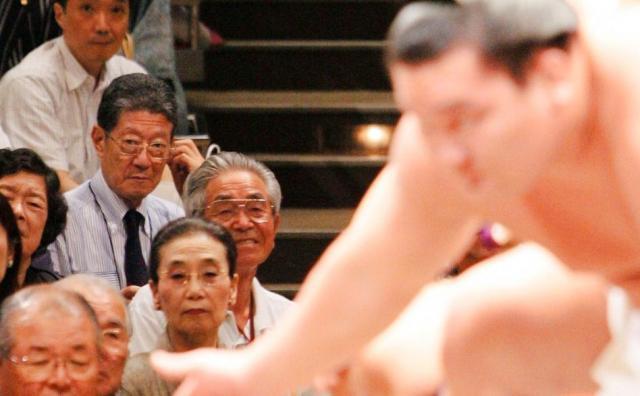 大相撲を長年、見守る杉山さん