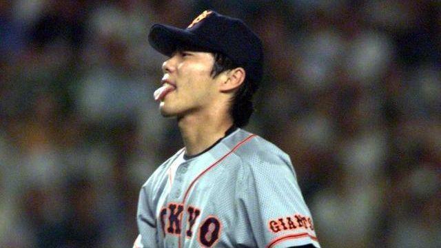 99年、オールスターに登板した巨人・上原。イチローに本塁打を打たれ思わず舌を出す、