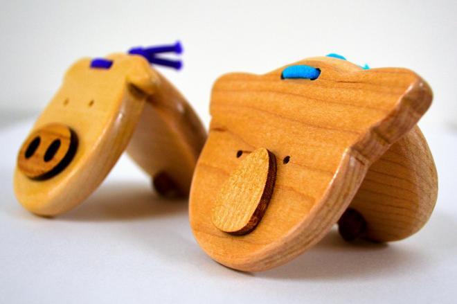 京都刑務所で現在、作られている木製カスタネット。新デザインは来年度に生まれる予定