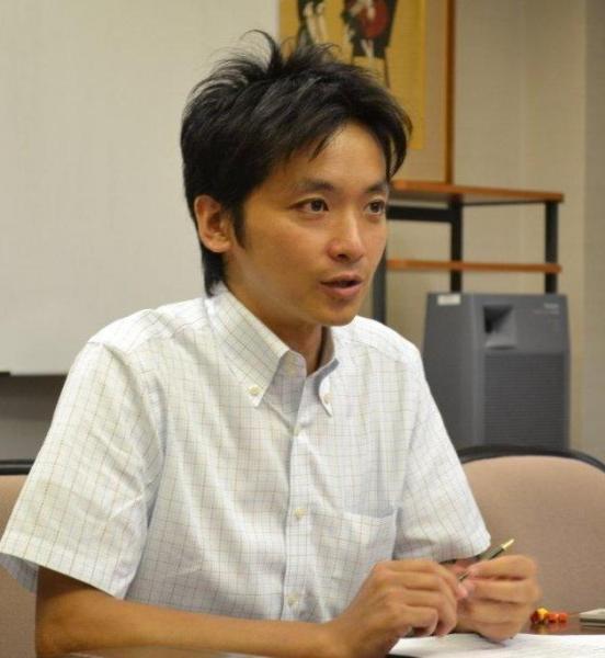 キリスト教徒の松谷信司さん。サブカルを使って教義を解説するなど、その活動が注目を集めている