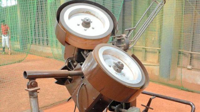 ジャイロボールを発射できる独自のローター式