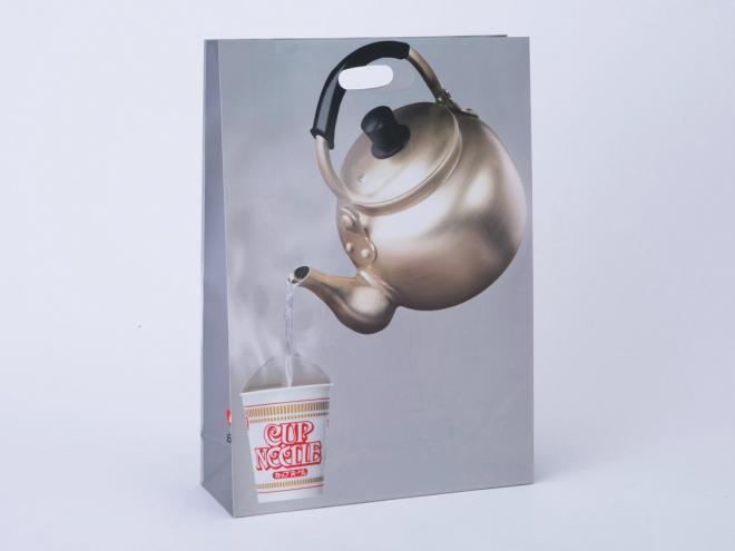 日清が発売した「お湯入れとる紙袋」
