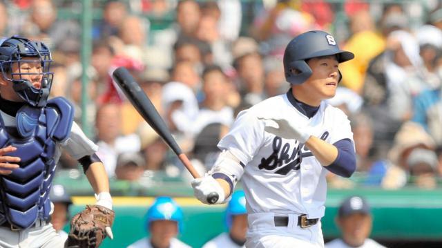 「ピッチャー再現マシン」で練習し第87回選抜高校野球に出場した静岡高校。適時二塁打を放った平野