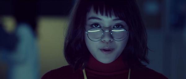 スプツニ子!さんが作った映像作品「運命の赤い糸をつむぐ蚕 - タマキの恋」に登場する主人公タマキ