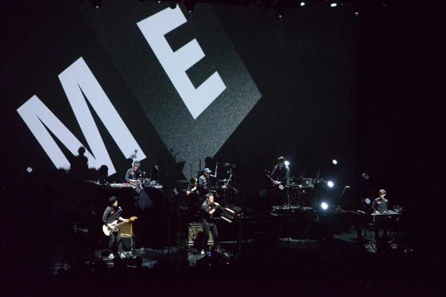 ライブで演奏する「METAFIVE」