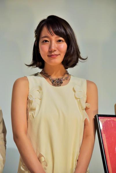 初主演映画「ハッピーウエディング」の舞台あいさつをした吉岡里帆さん