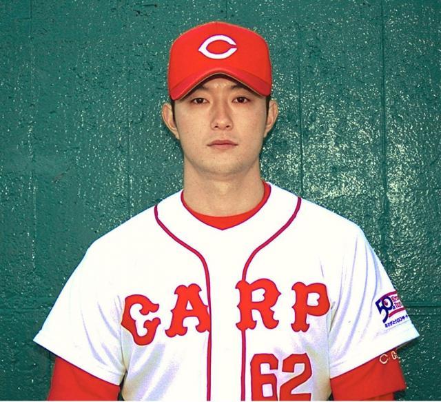 広島時代の小林投手。1995年に初勝利。99年には1軍で30試合に登板した