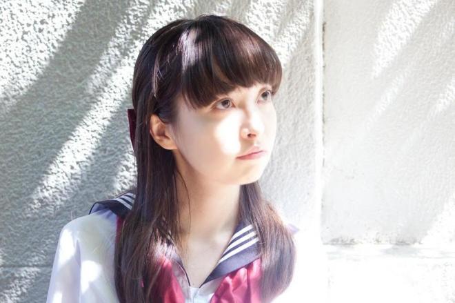 父親が米国人で、母親が日本人であるアイドルでライターの西田藍さん