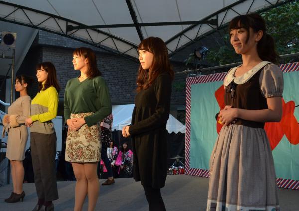 「お茶パラ」の合間に出演したお茶の水女子大ミスコンのファイナリストのみなさん