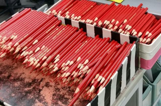 朝日新聞で校閲の際に使われている赤鉛筆