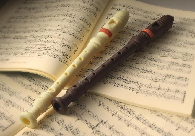 リコーダーを模した実際に吹ける笛「Flute a bec(フルート ア ベック)」。2013年のバレンタインデー向けに制作された