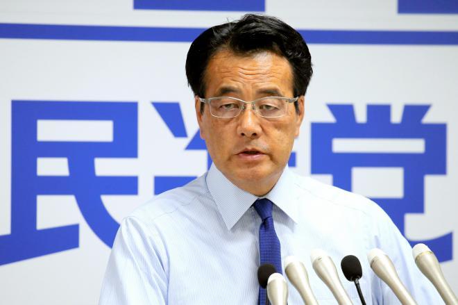 民進党前代表の岡田克也さん。「岡田ちゃん」と呼んだ人が、果たしていたのだろうか=2016年6月、東京・永田町の党本部、飯塚晋一撮影