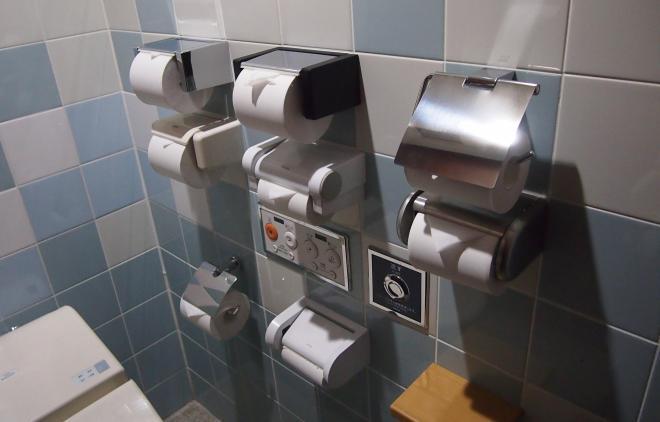 こちらはMEGAドン・キホーテ ル・パーク三川店のトイレ