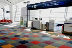 空港で「チケット譲ってください」というアナウンス。なんで?