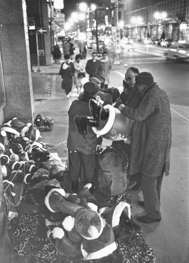 1965年12月24日、東京・銀座