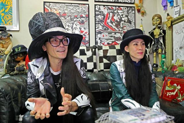 学校のダンスについて語る杉谷さん(左)と菊口真由美さん