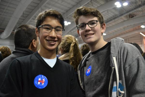 会場にいた15歳の2人組
