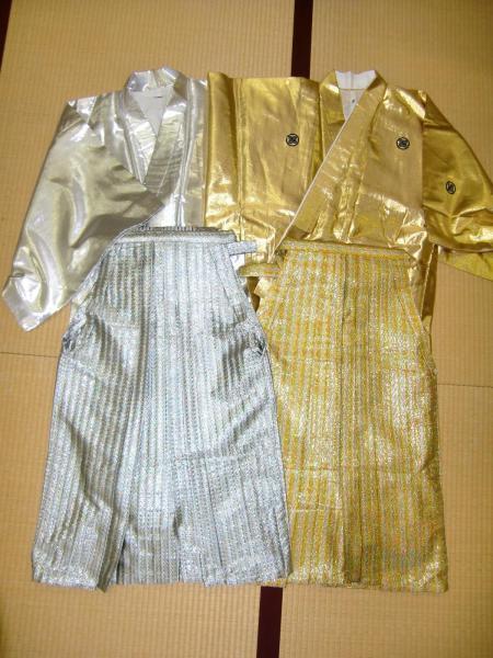 北九州のレンタル衣装店「みやび」が派手な衣装を手がけるきっかけになった「金さん・銀さん」の衣装=みやび提供