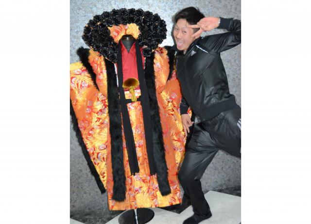 「バラ」の宮川拓海さん。成人式当日はパンチパーマにするという=北九州市小倉北区宇佐町1丁目、宮野拓也撮影