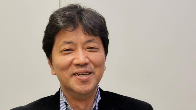 インタビューに応じる那須田淳プロデューサー=東京都赤坂のTBSテレビ