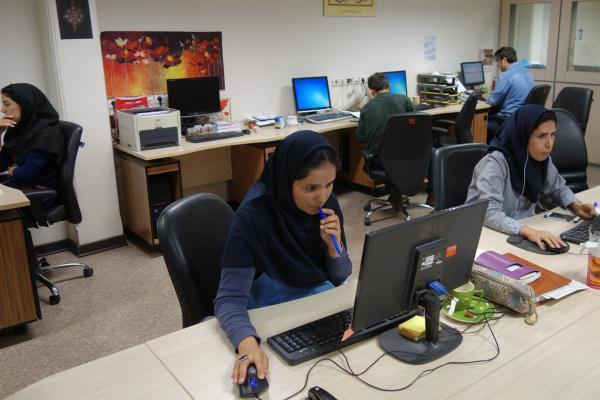 ISNAオフィスの様子。仕事さえちゃんとしていれば、イヤホンで音楽を聴きながらでもOKだそうです
