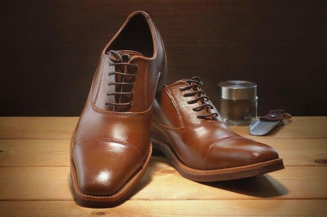 すべてチョコレートでできた靴「紳士の輝き」