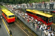 インドネシアのバス。謎の流行語「OM TELOLET OM」と密接な関係があるという…