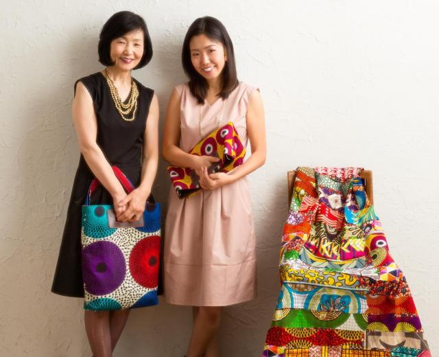 RICCI EVERYDAY 社長の仲本律枝さん(左)と長女・千津さん=千津さん提供