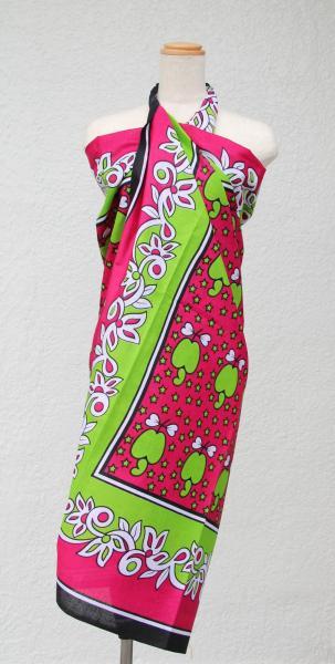 東アフリカの色鮮やかな布「カンガ」=2011年