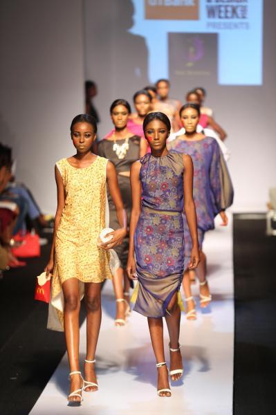 ナイジェリア南西部ラゴスで開かれたファッションショー=2014年