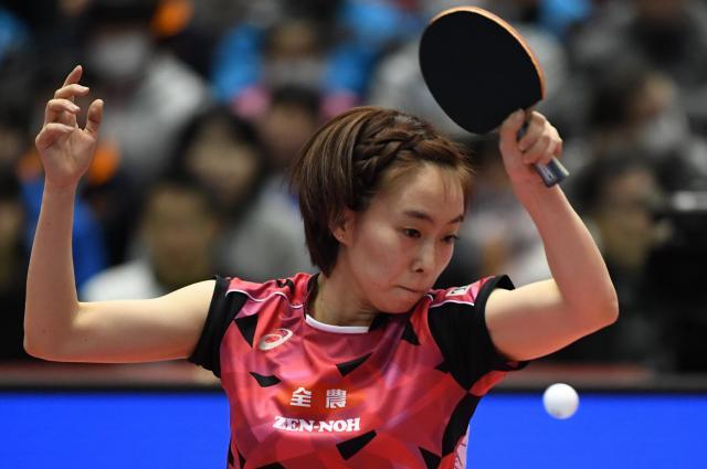 日本女子のエース、石川佳純選手はサウスポーだ