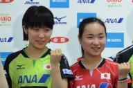 ダブルスを組み、世界で活躍していた平野美宇選手(左)と伊藤美誠選手
