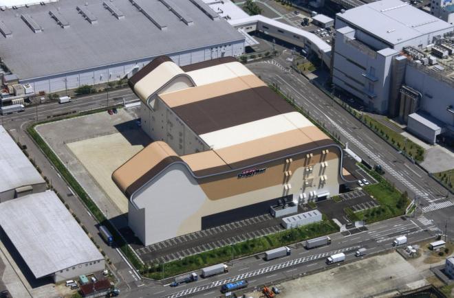 ドギーマンハヤシの関西ロジスティクスセンター=黒田青巌氏撮影