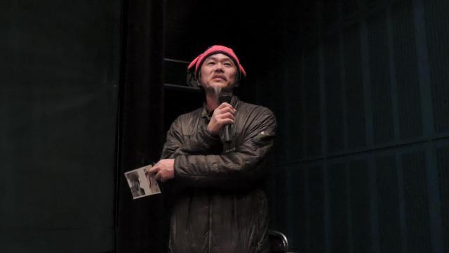 舞台あいさつで「リバイバルがトランプ氏の登場と重なってしまいました」と語るマサ・ヨシカワさん