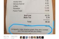 NYのレストランがレシートに記した「Immigrants make America great」の一文=Mary Emily O'Haraさん提供