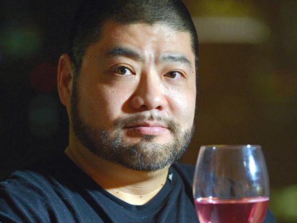 愛媛大に進んだ髭男爵山田ルイ53世さん(下の出典から体験記をお読みいただけます)