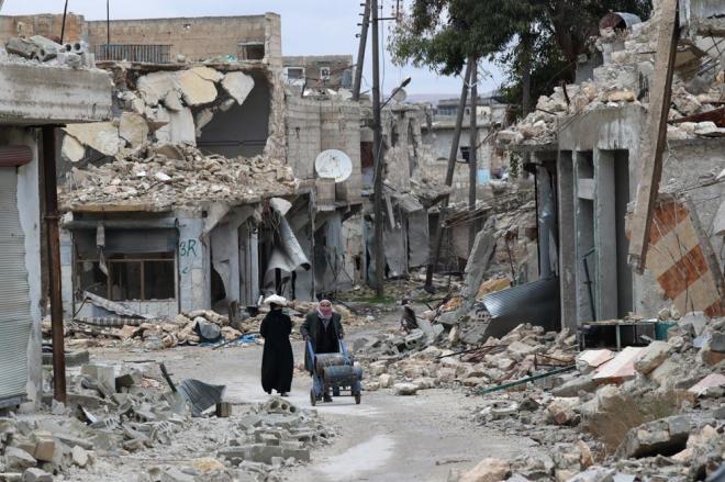 アレッポ東部のハイダリーア地区では空爆や砲撃で激しく建物が破壊されていました