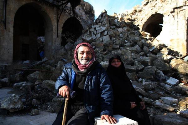 大モスクには被害を心配した多くの市民が訪れていた=2017年1月10日、シリア・アレッポ、矢木隆晴撮影