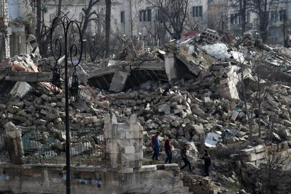 アレッポ城周辺の建物は激しく破壊されていた=2017年1月10日、シリア・アレッポ、矢木隆晴撮影