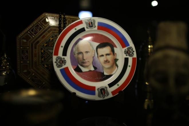 ホテルのロビーには今のシリアを象徴するようなお皿がお土産品として売られていました。右がシリアのアサド大統領で、左はロシアのプーチン大統領。ロシアの軍事介入が本格化してから戦況が変わり、政府側のアレッポ制圧につながりました。ロシアとの蜜月ぶりを表しています