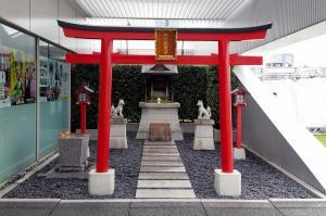 テレビ局、知られざる「神頼み」スポット テレ朝稲荷、裏を食う寿司
