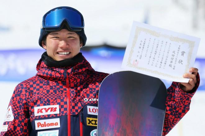 左足に障害を負った成田緑夢(ぐりむ)さん。平昌パラリンピック出場を目指している=竹谷俊之撮影
