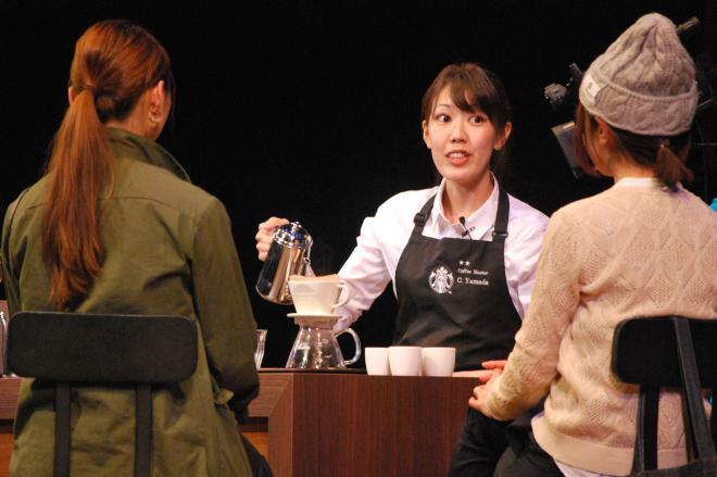 コーヒーを淹れながら豆について制限時間内で説明する課題