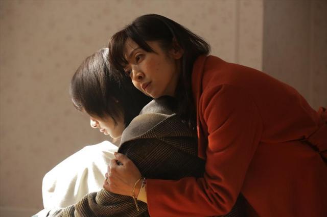 恋人のように仲良しだった親子の関係が泥沼に…=NHK提供
