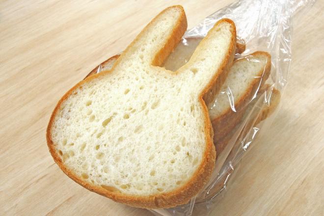 これが話題の「ウサギ食パン」