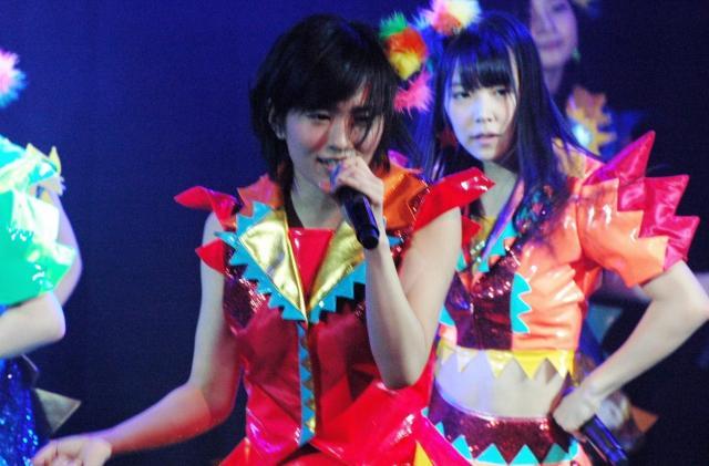 NMB48の山本彩さん。公演や握手会など「接触」の機会は多い