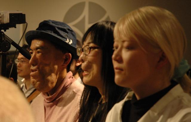 『顔ニモマケズ』の出版記念イベントに駆けつけた中島さん