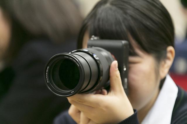 こんなすごいカメラ初めてさわったと興奮しきり。