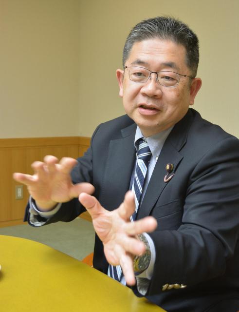 参院予算委での質問を振り返る小池晃氏