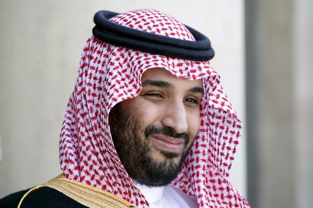 サウジアラビアの副皇太子ムハンマド・ビン・サルマン氏=2016年4月、フランス・パリ